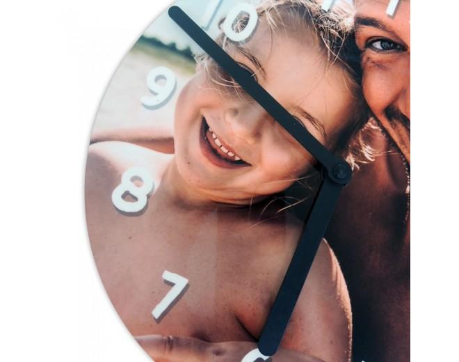 Reloj de madera redondo